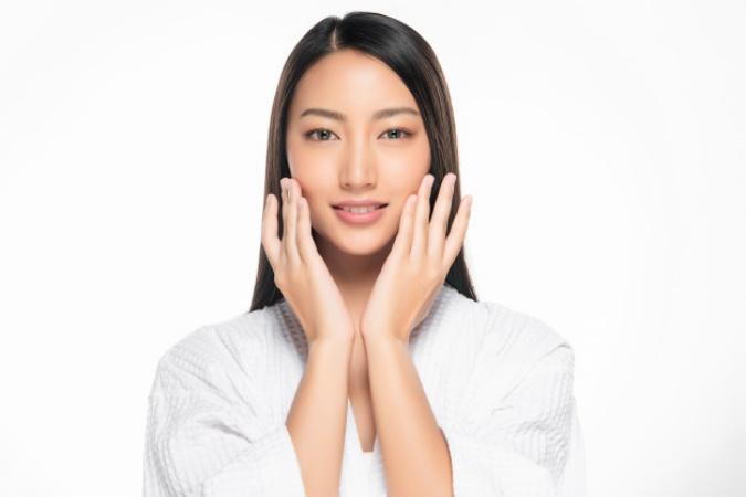 6 Manfaat Minum Air Putih Untuk Kecantikan Female Daily